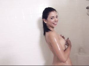 Freshly Showered Teen Pussy Is Wet And Ready For Sex