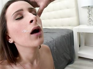 Facesitting Babe Banged In Her Perfect Bald Pussy