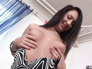 Stripping And Sucking Girl Wants Him In The Ass