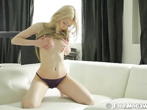 Blonde Tease With Gorgeous Tits Rubs Her Cunt