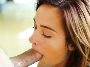 Petite Beauty Kaylee Haze Enjoys An Erotic Fuck