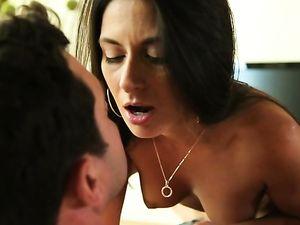 Nikki Daniels Craves Big Dick And Gets His Balls Deep