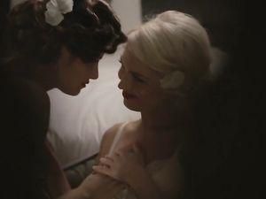 Erotic Lesbian Lingerie Love Between Pinup Girls