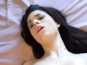 Super Hot Girlfriend Gives Head And Gets Fucked