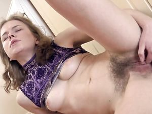 Hairy Cutie Finger Banging Her Muff In The Kitchen