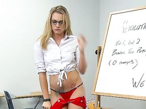 Slutty Teen Knows How To Seduce The Horny Teacher