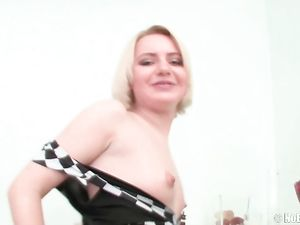 Slut Fucks A Massive Dildo And Does Anal With Her Man